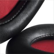 Soft, over-ear leather cushions for long-listening comfort