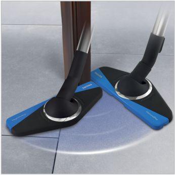 Capul de aspirare DiamondFlex se roteşte la 180° pentru a curăţa în jurul obiectelor
