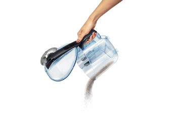 Удобный контейнер для сбора пыли позволяет без труда выбросить скопившийся мусор