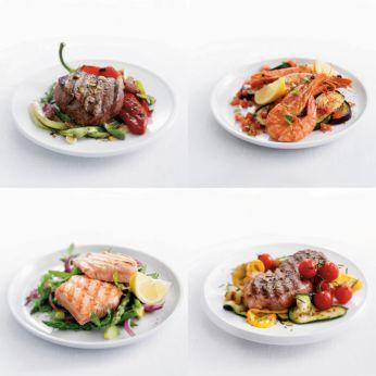 Die heiße Grillplatte versiegelt den Geschmack.