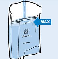vul het waterreservoir tot aan de MAX-aanduiding met water