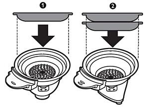 Beispiel: Kaffeepads korrekt in den Padhalter einlegen