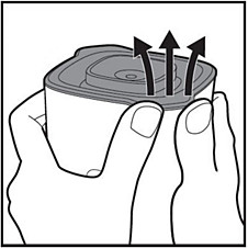 Opening the jar lid of Philips Mini Blender