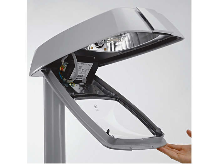 Otevírání svítidla bez použití nářadí