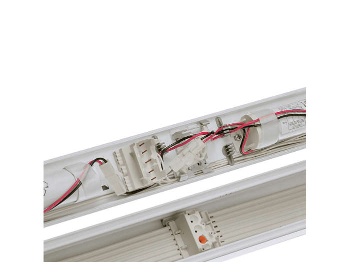 Electrical/mechanical connection of the EL3 basic unit in a prewired trunking section with a 7-wire ribbon cable.