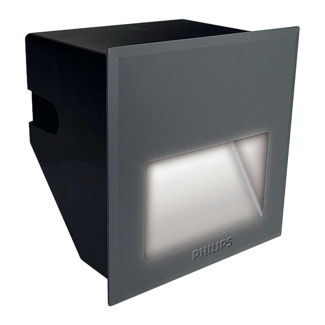 LED Step-Light BWG150 – Reliable landscape lighting for harmonious city living