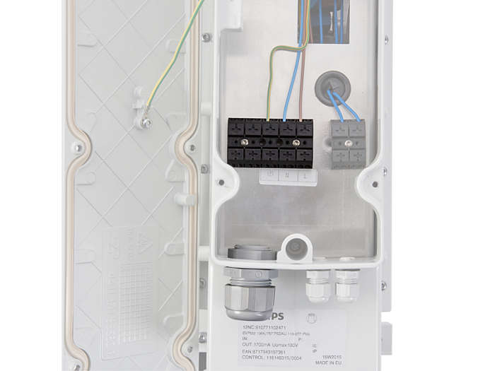 IP66 driver box, mains input, with push-in terminals for wires up to 4 mm² and cable entry via 1x M25 cable gland