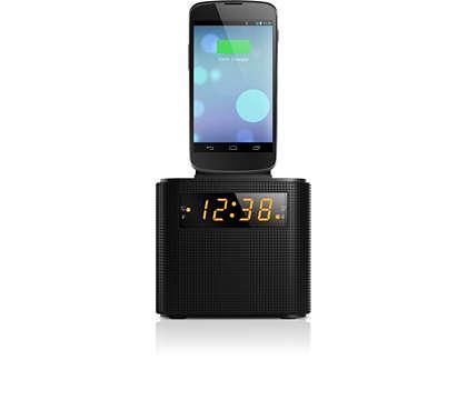 Acorde com rádio FM e um smartphone completamente carregado
