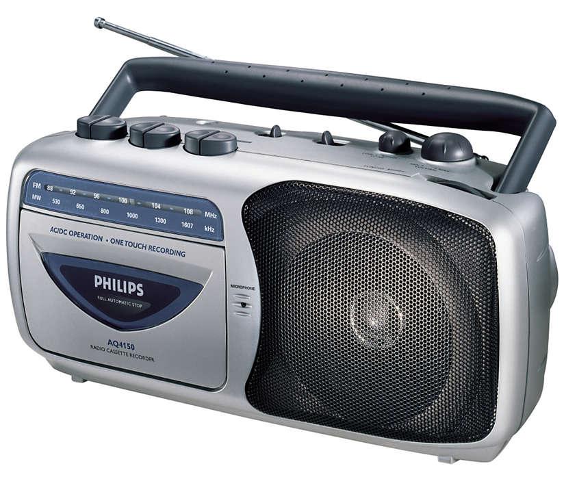 Přenosný kazetový radiomagnetofon.