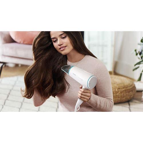 DryCare Essential Cestovní vysoušeč vlasů