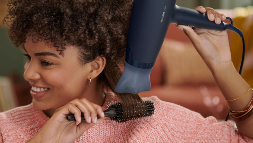Slim nozzle for touch-ups and detailed styling