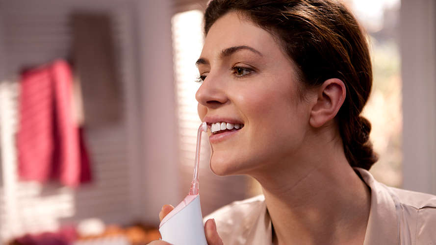 白い歯と健康的な笑顔を手に入れる方法