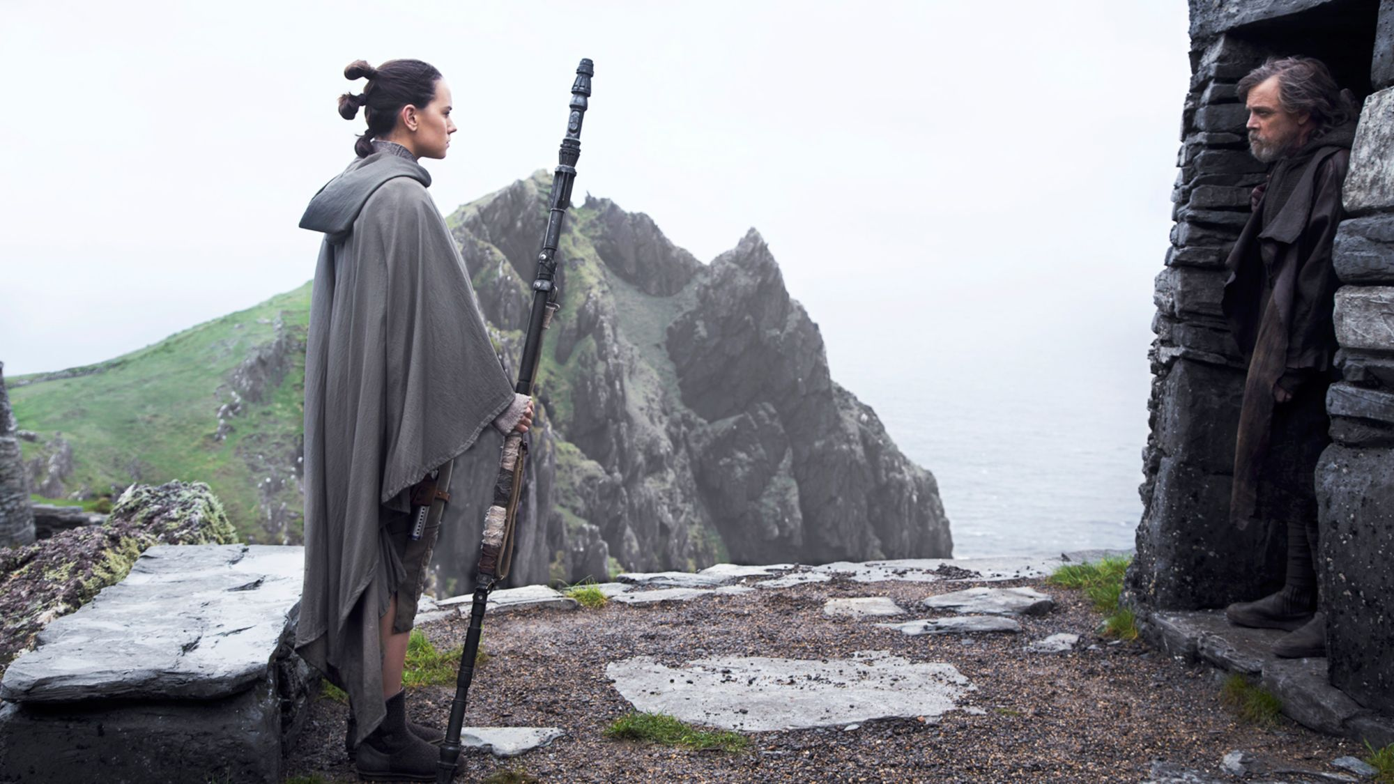 Star Wars The Last Jedi hub: Rey and Luke