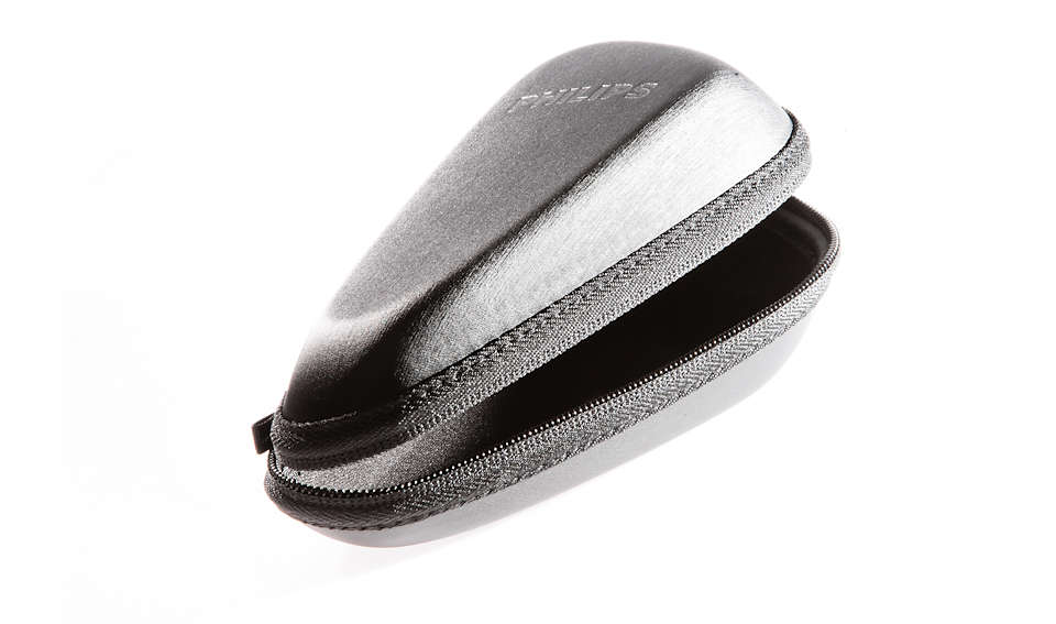 A pouch to safely store your shaver.