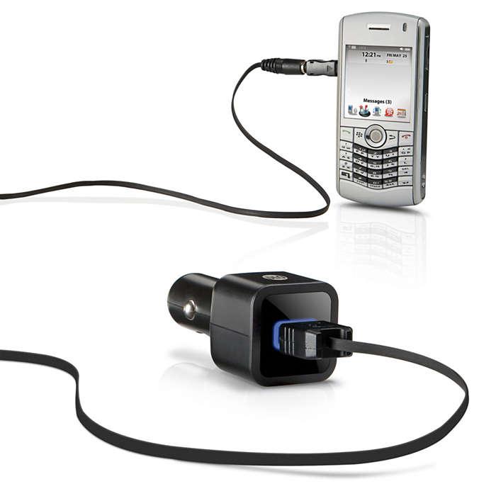 Laden Sie Ihr Mobiltelefon im Auto auf