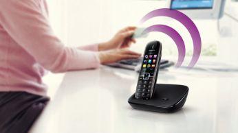 El auricular para teléfono manos libres te permite hablar sin usar las manos