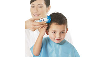 Skin friendly blades and comb to prevent scratching