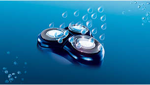 Washable shaver with QuickRinse system