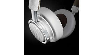 최상의 소음 차단 기능을 자랑하는 어쿠스틱 밀폐형 뒷면 구조
