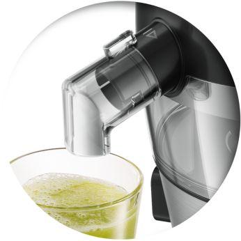 Изцеждайте сок направо в чашата