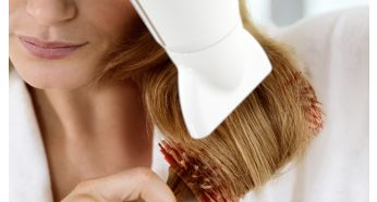 Résultats de coiffage parfaits avec une buse de coiffage mince