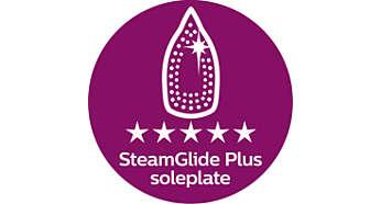 Piastra SteamGlide Plus: mix perfetto tra scorrevolezza e stiratura