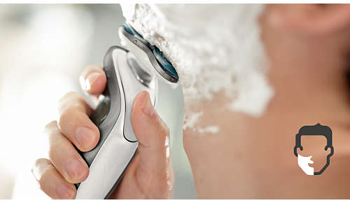 Få en komfortabel tørr eller oppfriskende våt barbering med Aquatec