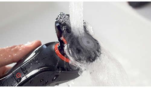 El mango y el accesorio de afeitado corporal son resistentes al agua