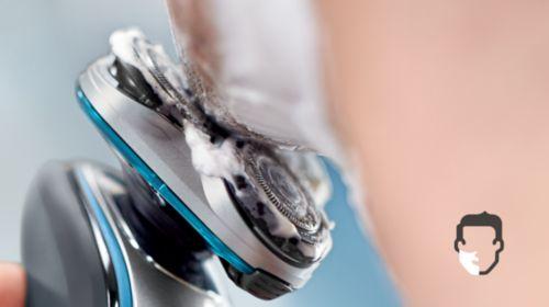 Comfortabel droog of verfrissend nat scheren met Aquatec