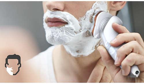 Disfruta de un cómodo afeitado en seco o de un refrescante afeitado en húmedo con Aquatec
