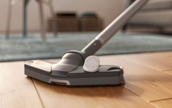 TriActive nozzle applies 3 cleaning actions in one go