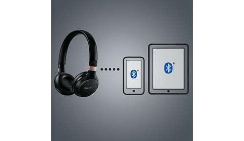 Met multipoint kunt u op twee apparaten tegelijk muziek afspelen en gesprekken voeren