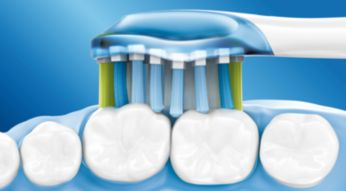 4x více kontaktu s povrchem zubů a dásní* pro unikátní hloubkové čištění bez námahy