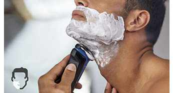 Get a comfortable dry or refreshing wet shave with Aquatec