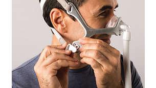Enkelt att klickjustera huvudbandet med justerbara spännen.