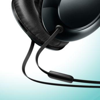 Düz kablo tasarımıyla dolaşma olmadan müziğin keyfini çıkarın