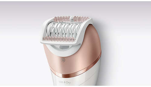 In-use Massage cap relaxes the skin during epilation