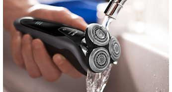 Le rasoir peut être rincé à l'eau du robinet