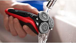 O barbeador pode ser limpo com água
