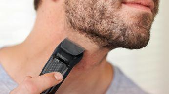 Apare as bordas da barba e do pescoço para completar o visual