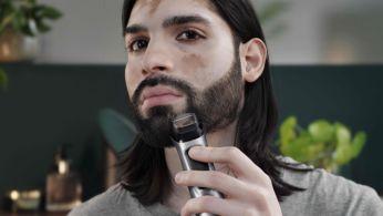 El recortador metálico para detalles define los bordes de tu barba o chivo