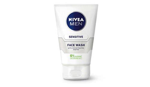Sensitive Face Wash pulisce a fondo pelle e barba