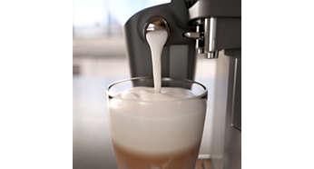 Samtig-cremiger Milchschaum mit dem besonders einfachen LatteGo Milchsystem