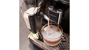 Espuma de leite suave e cremosa graças ao sistema de leite LatteGo de alta velocidade