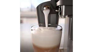 Espuma de leite incrivelmente cremosa graças ao sistema LatteGo de alta velocidade