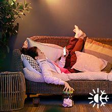Descansa con luz blanca cálida o fría