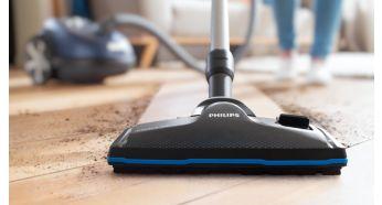 La brosse TriActivePro aspire la poussière la plus fine, pour un nettoyage en profondeur