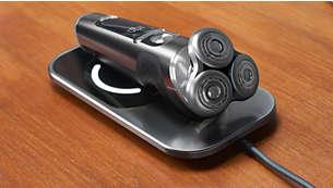 Chargez entièrement votre rasoir en trois heures avec le plateau de charge Qi