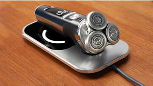 W trzy godziny naładuj do pełna akumulator Twojej golarki za pomocą maty Qi