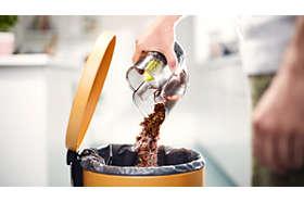 Unikátny dizajn nádoby na prach umožňuje vyprázdňovanie bez vytvárania prachovým mrakov